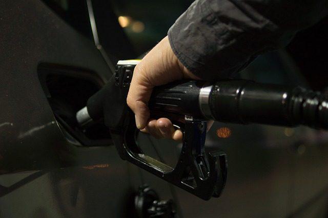 Carburanti: come dedurre costo e detrarre l'Iva