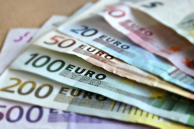 Start: bonus da 2.000 euro per i liberi professionisti